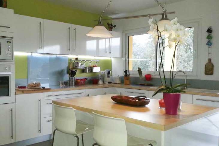 plakglass photos verre laqu verre s curit cr dence verre. Black Bedroom Furniture Sets. Home Design Ideas